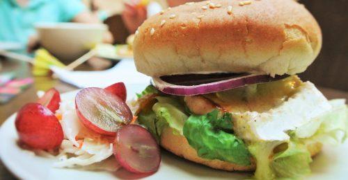 herzlich willkommen bei waikiki burger waikiki burger. Black Bedroom Furniture Sets. Home Design Ideas